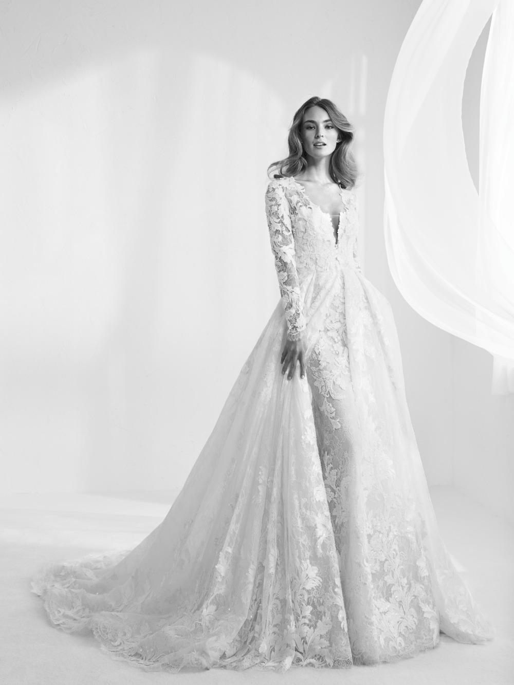 Atelier Pronovias predstavil kolekciu svadobných šiat na rok 2018 - Obrázok č. 34