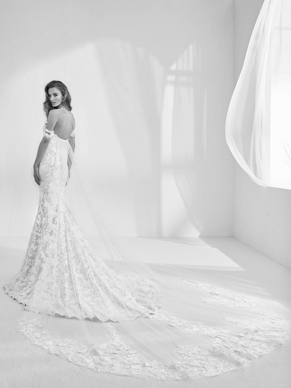 Atelier Pronovias predstavil kolekciu svadobných šiat na rok 2018 - Obrázok č. 37