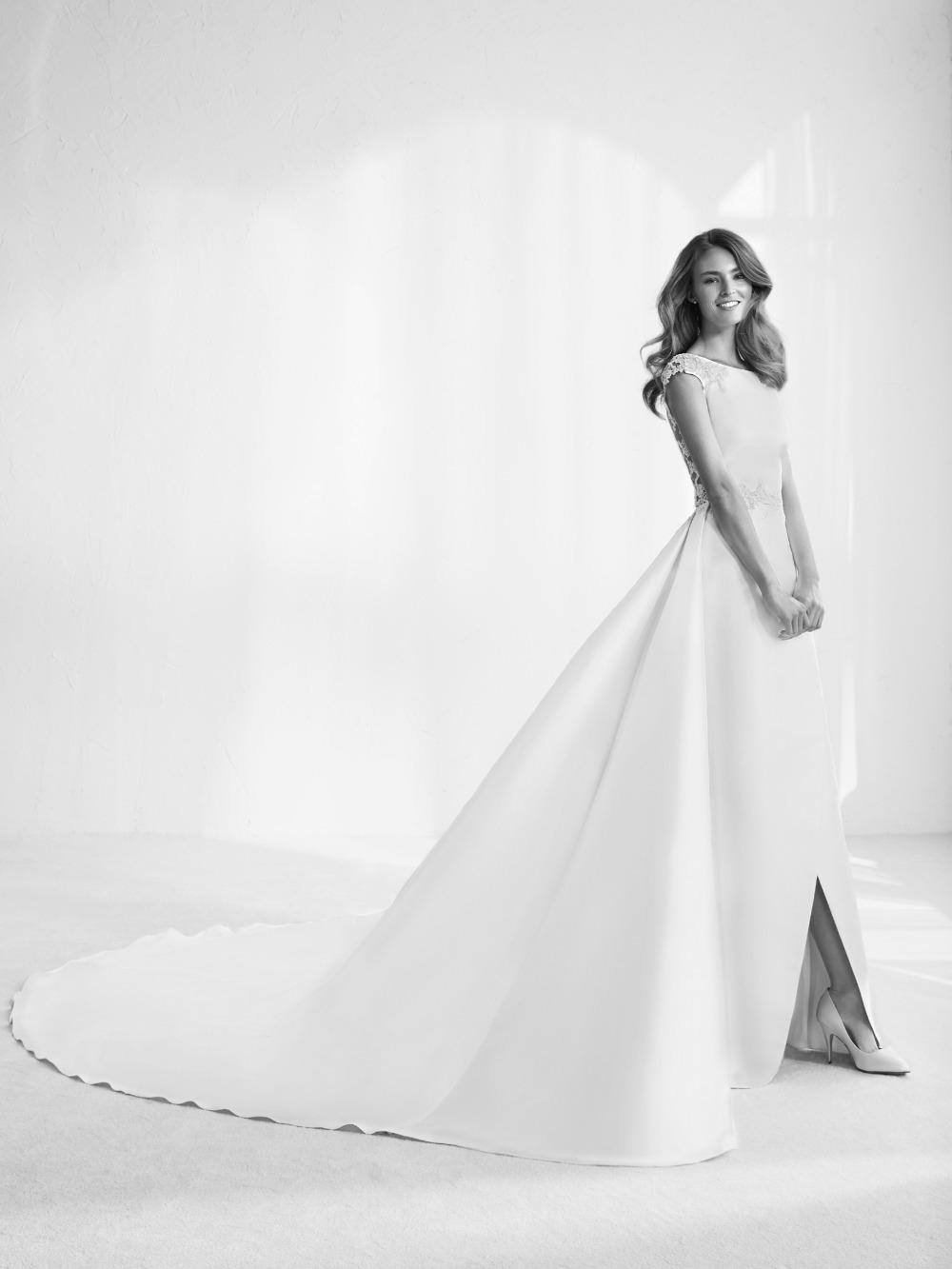 Atelier Pronovias predstavil kolekciu svadobných šiat na rok 2018 - Obrázok č. 42