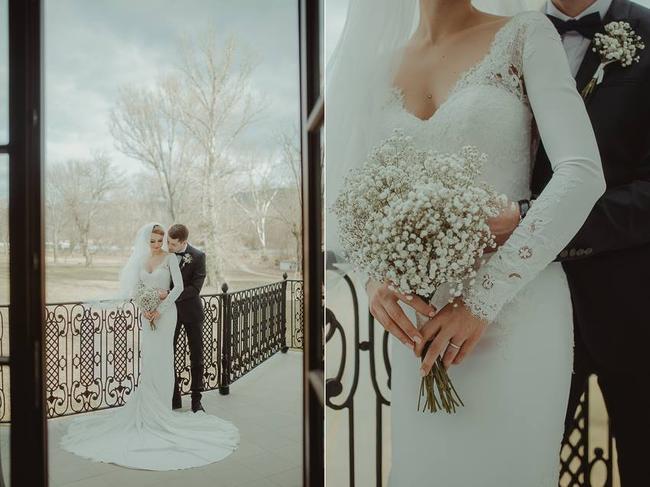 Z dnešného rozhovoru s našom magazíne sa veľmi teším. :) Nevesta Ivana neprežívala prípravy svadby na Mojej svadbe, takže ju zrejme nepoznáte. No jej svadba je natoľko výnimočná, že som ju musela osloviť na rozhovor. Spolu so svojím snúbencom sa rozhodli, že si spravia tajnú svadbu, len o nich dvoch, len o ich emóciách. A celá táto výnimočnosť a intimita je zachytená na krásnych fotkách fotografa Radovana Škohela ( @radovan2511 ). Túto svadbu si jednoducho musíte pozrieť: https://www.mojasvadba.sk/rozhovor-s-nevestou-ivanou-a-petrom/ #magazin - Obrázok č. 1