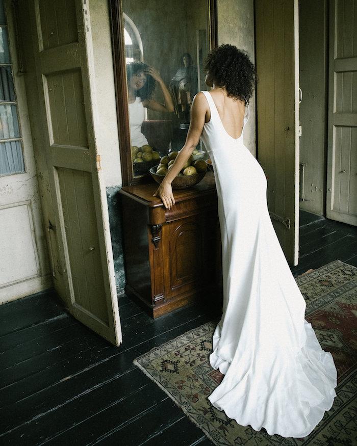 Tak jednoducho, ako sa len dá (minimalizmus v svadobných šatách) - Obrázok č. 23