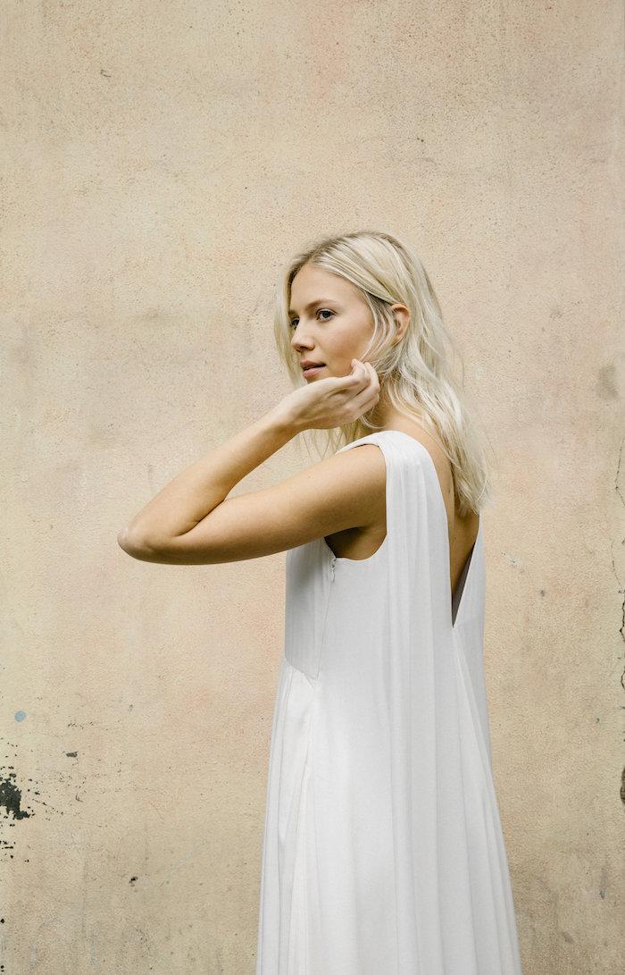 Tak jednoducho, ako sa len dá (minimalizmus v svadobných šatách) - Obrázok č. 24