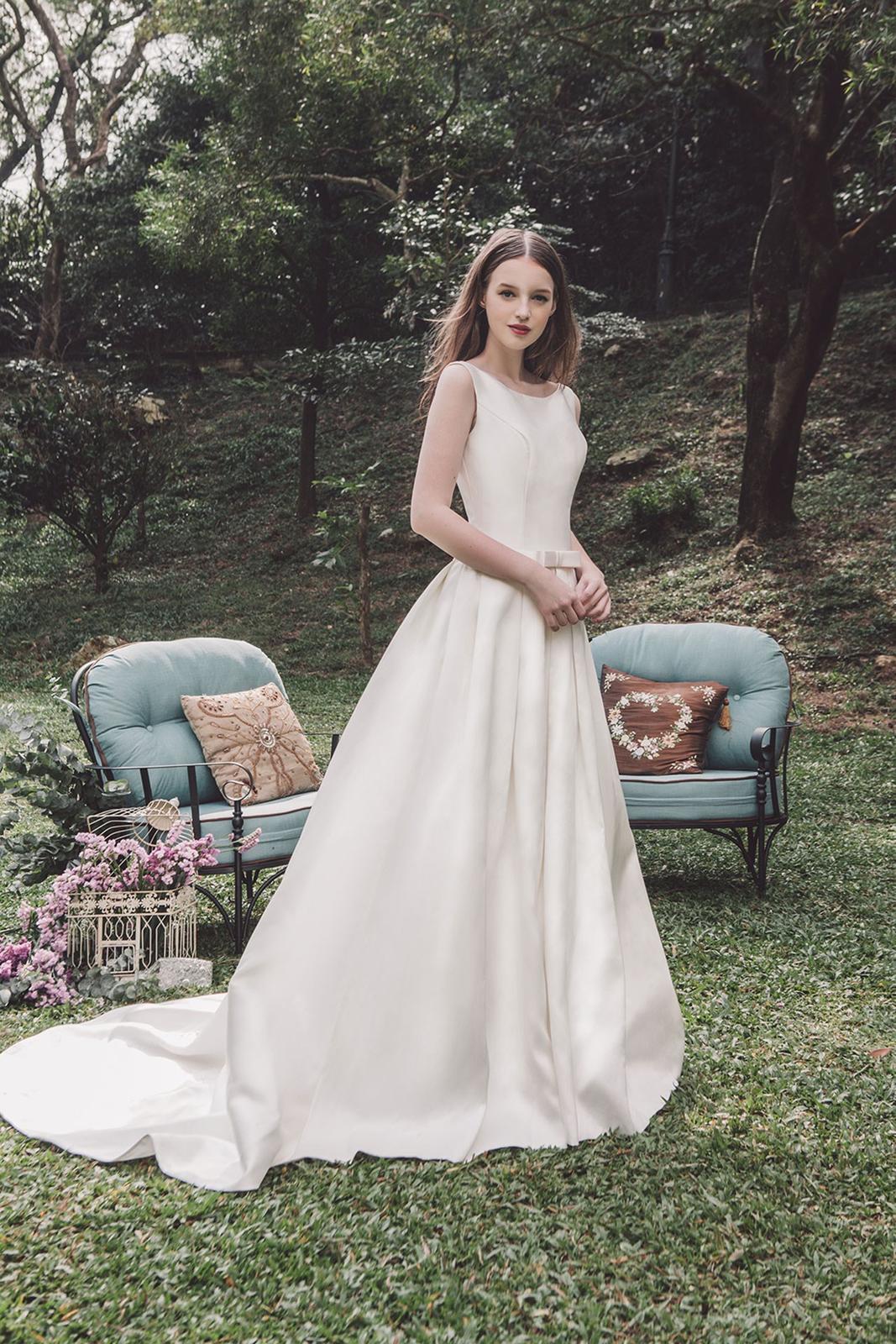 Tak jednoducho, ako sa len dá (minimalizmus v svadobných šatách) - Obrázok č. 26