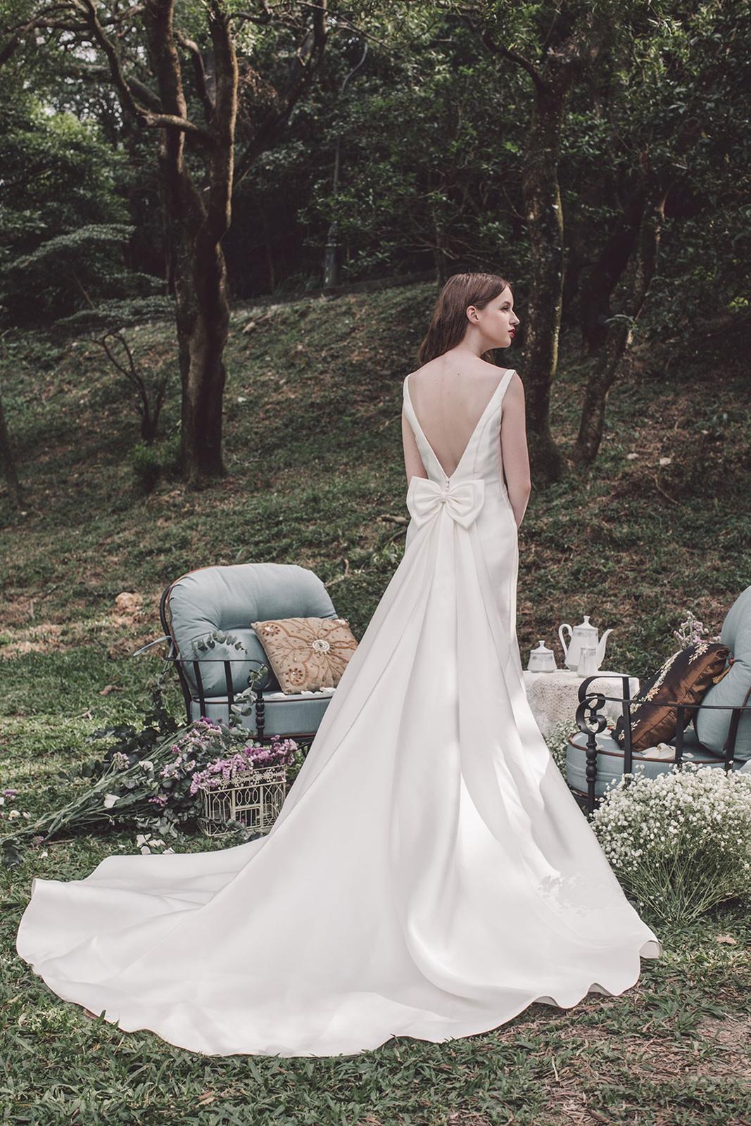 Tak jednoducho, ako sa len dá (minimalizmus v svadobných šatách) - Obrázok č. 27