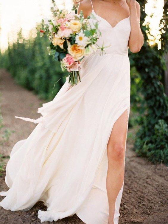 Tak jednoducho, ako sa len dá (minimalizmus v svadobných šatách) - Obrázok č. 30