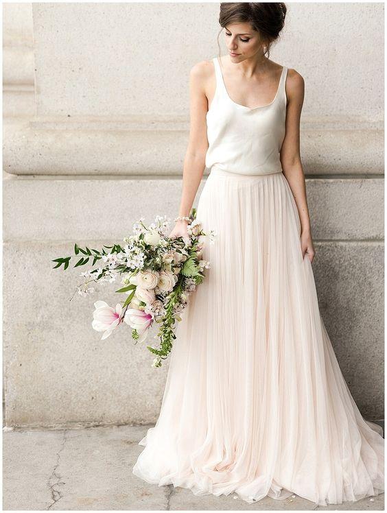 Tak jednoducho, ako sa len dá (minimalizmus v svadobných šatách) - Obrázok č. 31