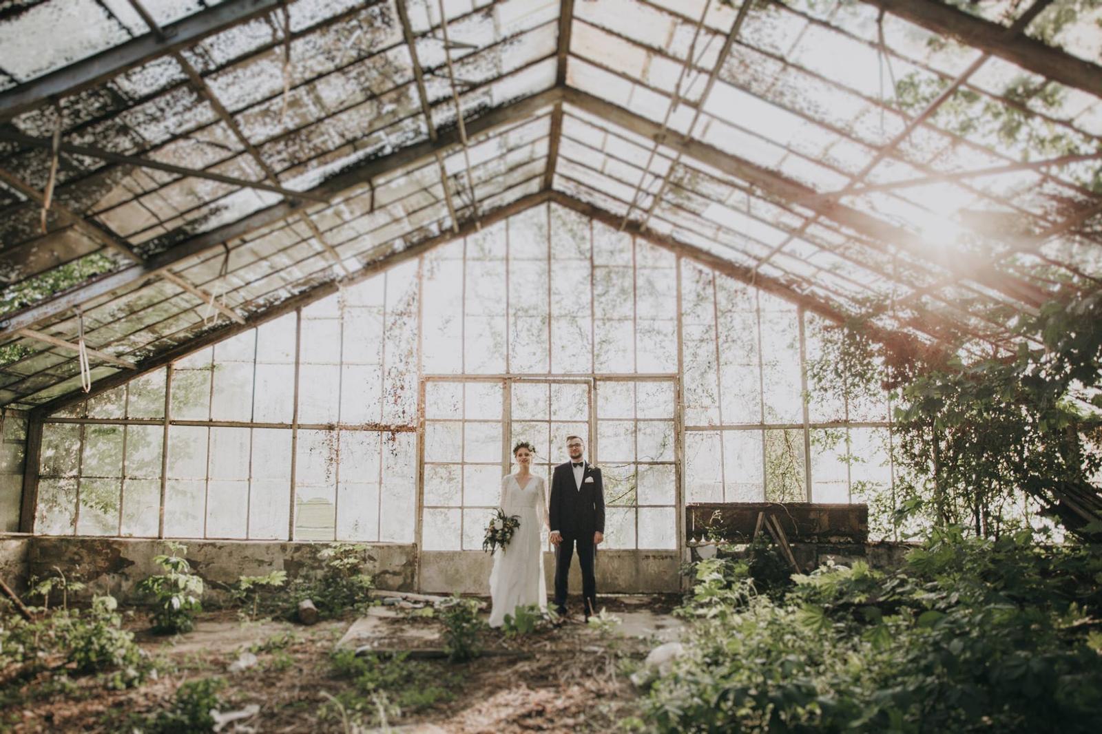 Svadobné fotenie v skleníku - Obrázok č. 28