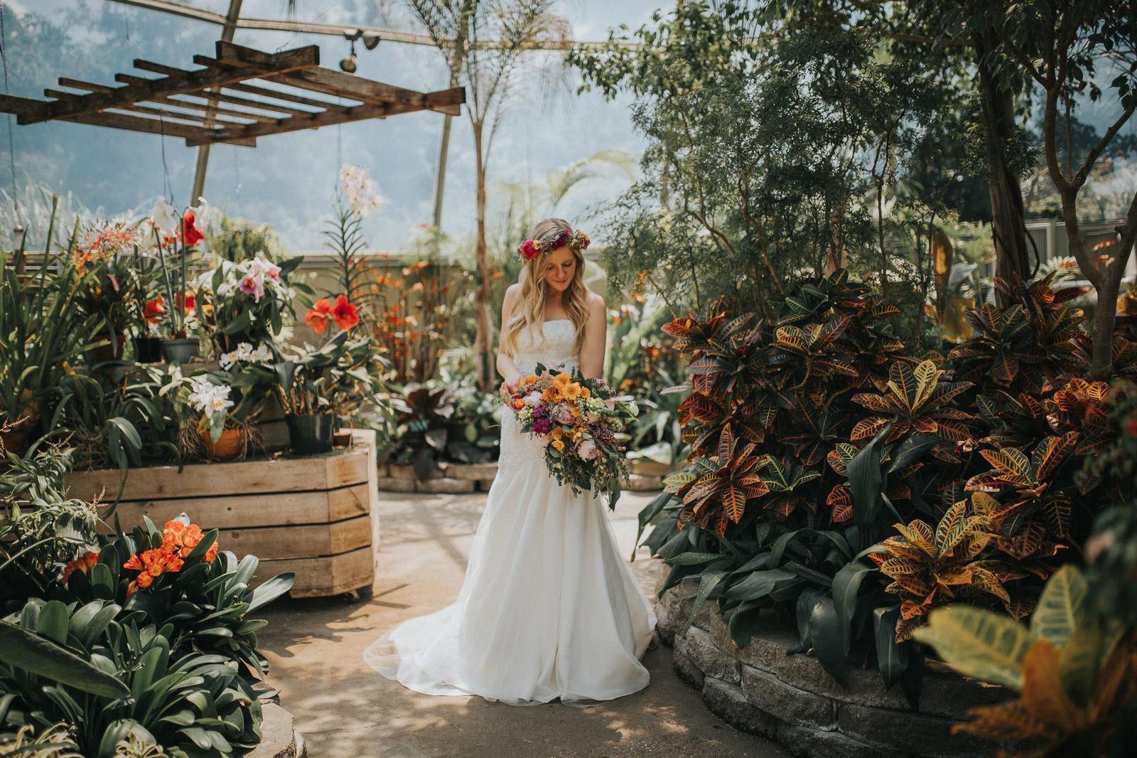 Svadobné fotenie v skleníku - Obrázok č. 30