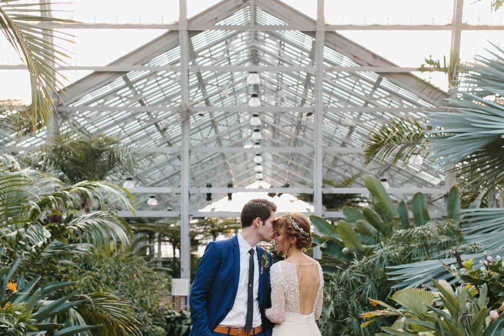 Svadobné fotenie v skleníku - Obrázok č. 47
