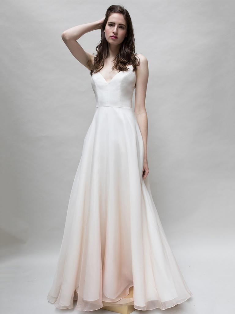 Tak jednoducho, ako sa len dá (minimalizmus v svadobných šatách) - Obrázok č. 39