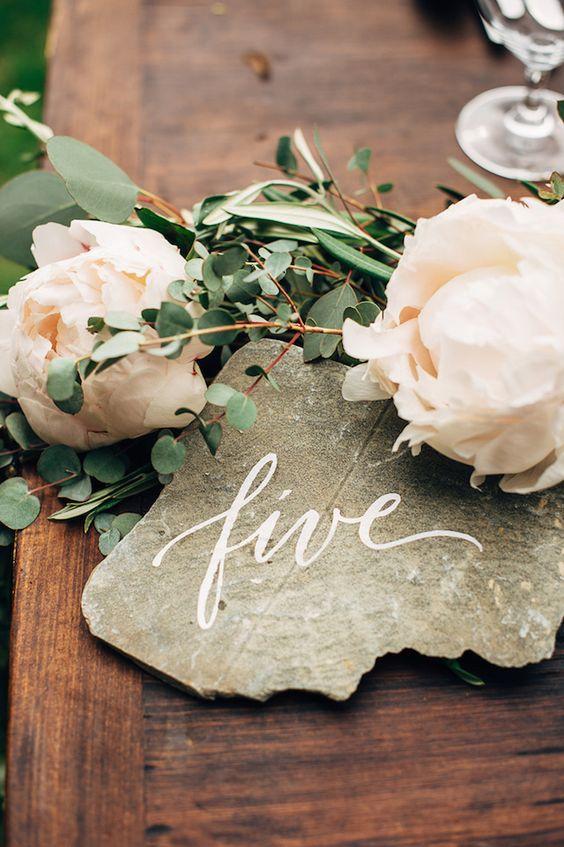 Nápady na číslovanie svadobných stolov - Obrázok č. 22