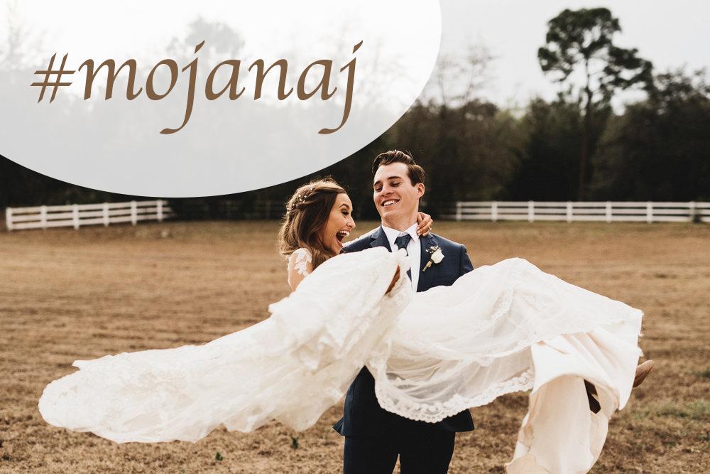 Koniec roka je vždy takým obdobím bilancovania. Nevesty 2017, prijmete výzvu na výber najobľúbenejšej fotky z vášho svadobného dňa? Tak ako aj minulý rok, aj tento pripravujem do nášho magazínu článok s najkrajšími svadobnými fotkami neviest roka2017. Ak chcete byť súčasťou, tak vám zadám náročnú úlohu: vyberte jednu svadobnú fotku, do ktorej ste sa úplne najviac zaľúbili, zverejnite ju vo svojom fotoblogu spolu s označením #mojanaj a môžete pridať aj pár slov o tom, prečo práve táto fotka :) Vytvorme si krásnu zbierku toho najlepšieho, čo sa medzi nami tento rok udialo :) Teším sa na všetky fotky! :) - Obrázok č. 1