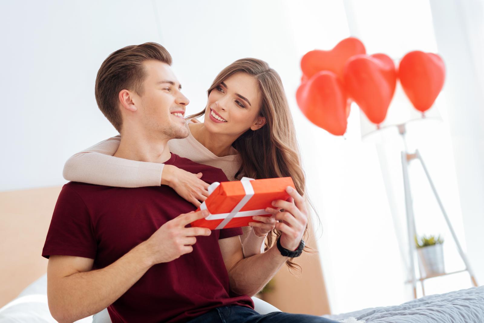 Baby, oslavujete Valentín? Čo ste si pre svojho partnera tento rok pripravili? :) Podeľte sa o svoje tipy, za každú odpoveď posielam valentínske modré srdiečko :) - Obrázok č. 1