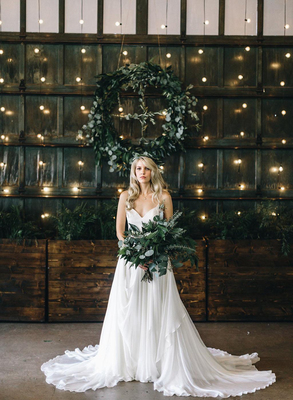 Tak jednoducho, ako sa len dá (minimalizmus v svadobných šatách) - Obrázok č. 54
