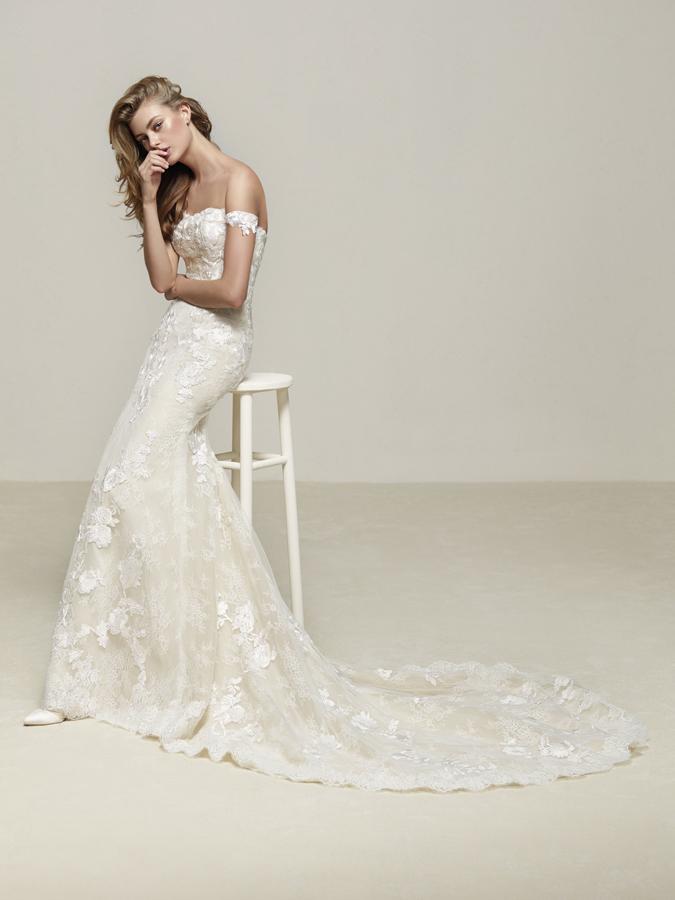 Atelier Pronovias predstavil kolekciu svadobných šiat na rok 2018 - Obrázok č. 51