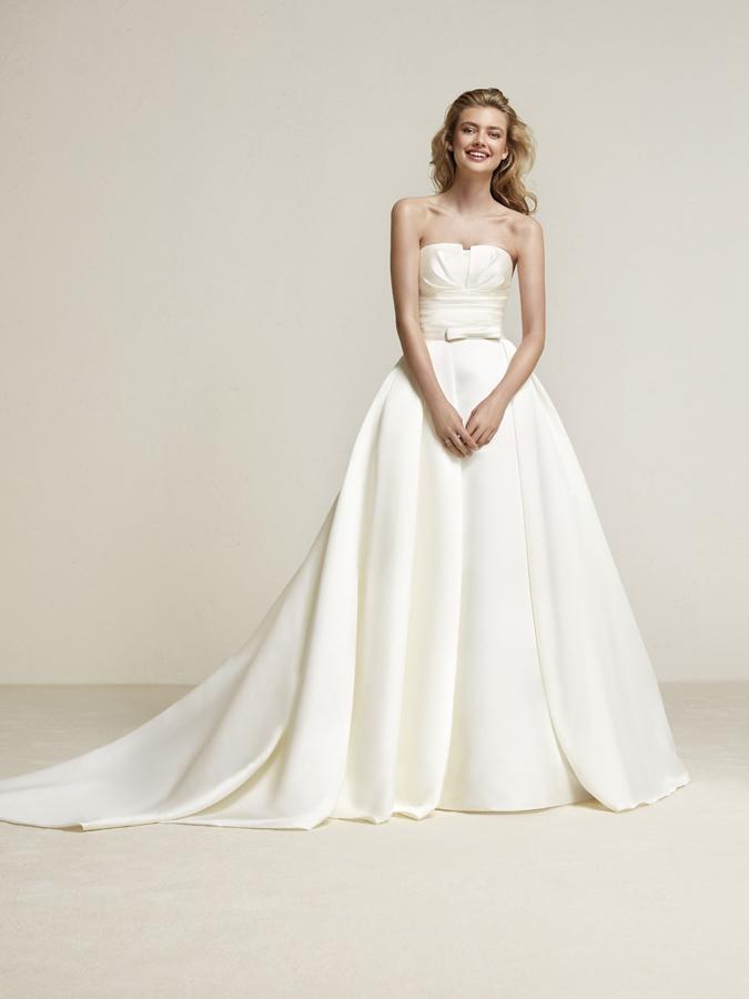 Atelier Pronovias predstavil kolekciu svadobných šiat na rok 2018 - Obrázok č. 61