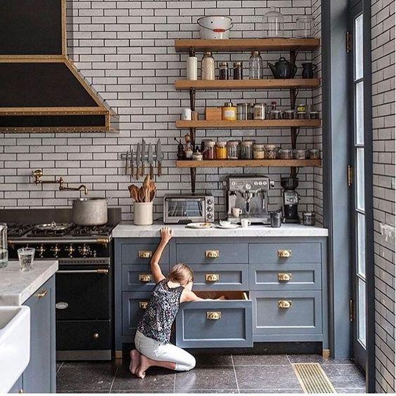 Kuchyne s otvorenými poličkami - Obrázok č. 33