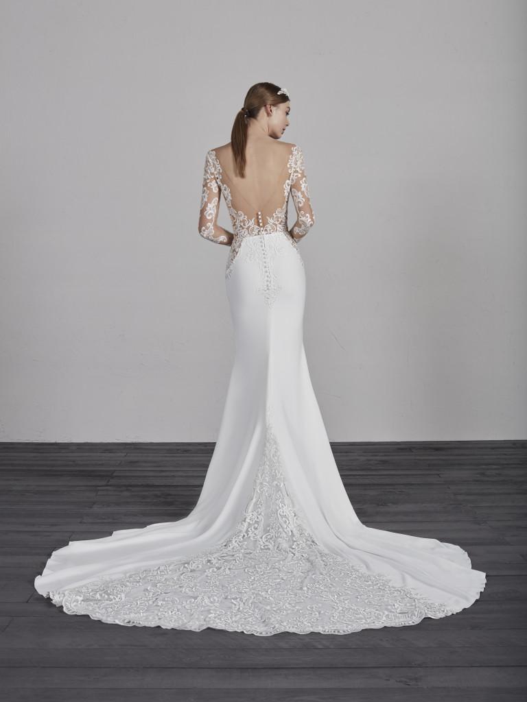 Obľúbený Atelier Pronovias už predstavuje svadobné šaty z kolekcie na rok 2019. Ktoré šaty by ste si vybrali vy? Ja sa akosi neviem rozhodnúť :) - Obrázok č. 2
