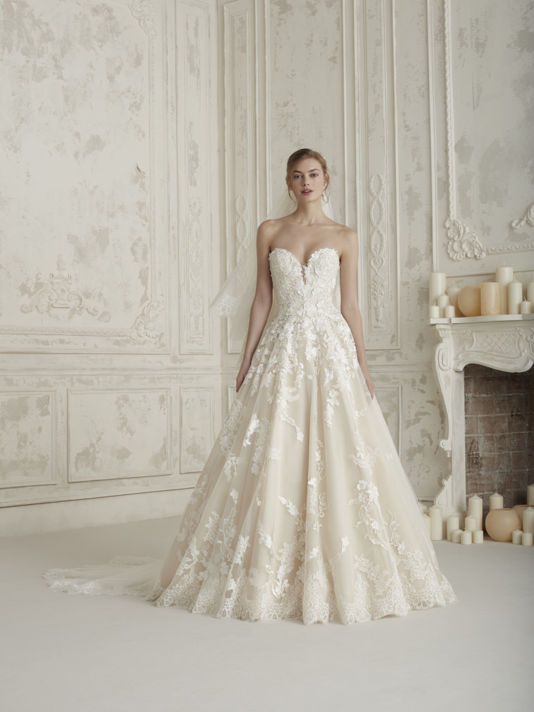 Obľúbený Atelier Pronovias už predstavuje svadobné šaty z kolekcie na rok 2019. Ktoré šaty by ste si vybrali vy? Ja sa akosi neviem rozhodnúť :) - Obrázok č. 3