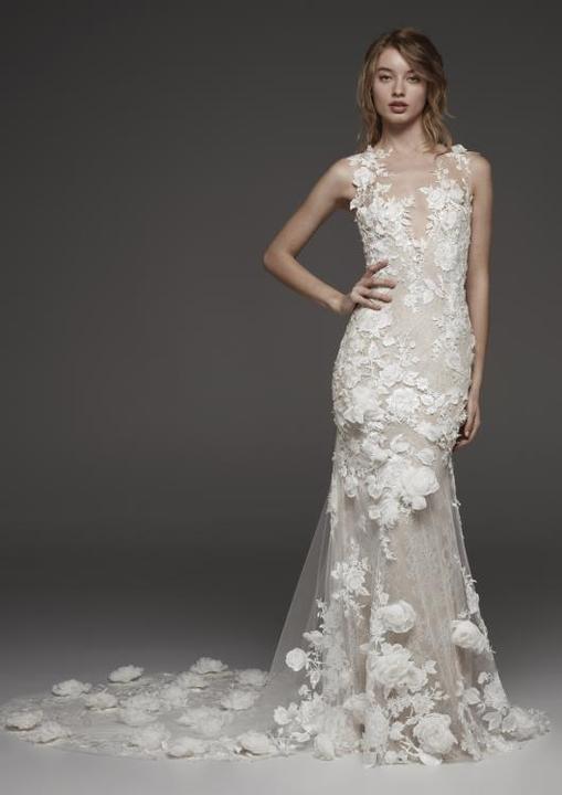 c6deaabf75c6 Obľúbený Atelier Pronovias už predstavuje svadobné šaty z kolekcie ...