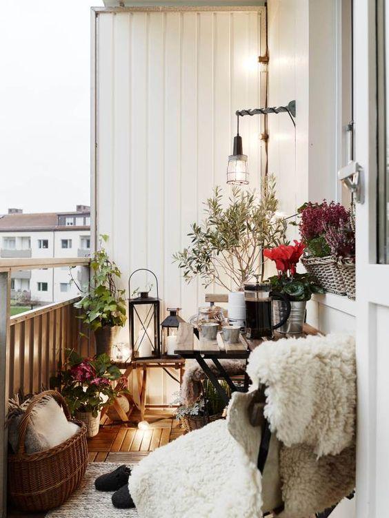 Malý balkón s veľkou atmosférou - inšpirácie - Obrázok č. 1