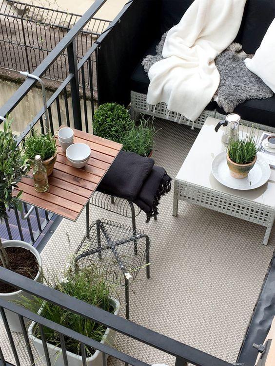 Malý balkón s veľkou atmosférou - inšpirácie - Obrázok č. 6