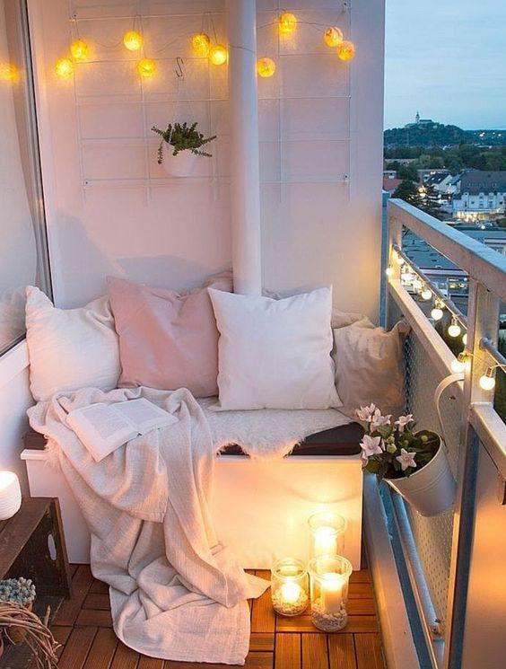 Malý balkón s veľkou atmosférou - inšpirácie - Obrázok č. 13