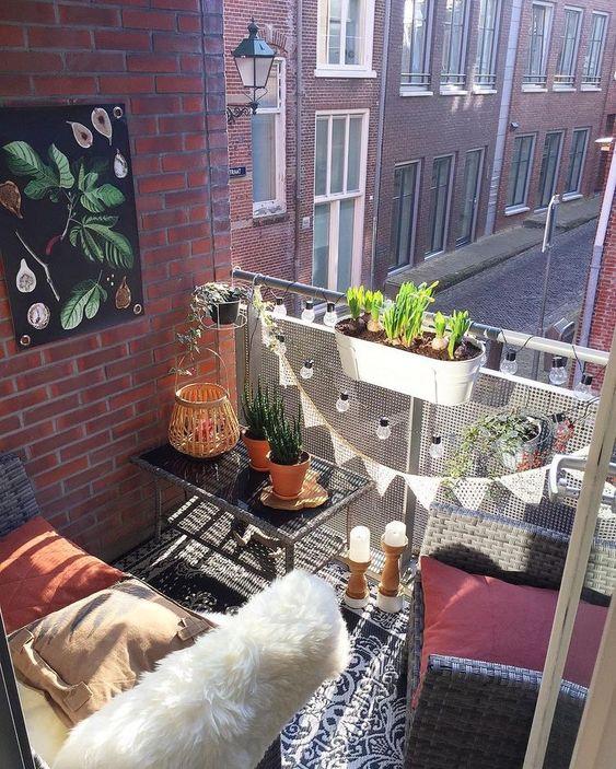 Malý balkón s veľkou atmosférou - inšpirácie - Obrázok č. 22