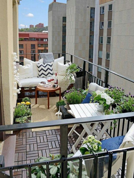 Malý balkón s veľkou atmosférou - inšpirácie - Obrázok č. 27