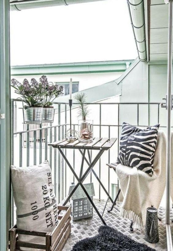 Malý balkón s veľkou atmosférou - inšpirácie - Obrázok č. 37