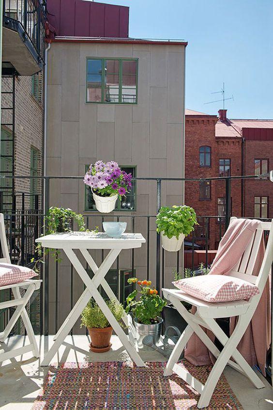 Malý balkón s veľkou atmosférou - inšpirácie - Obrázok č. 63