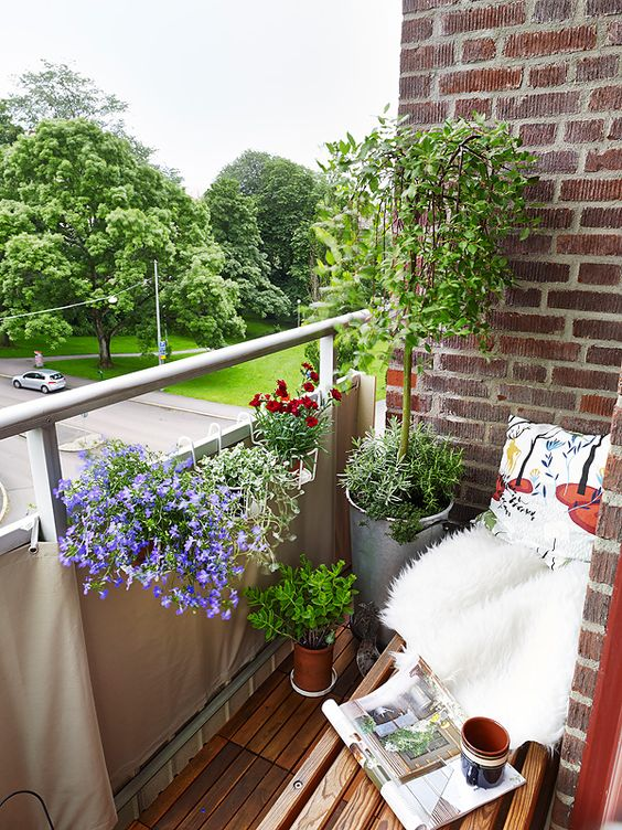 Malý balkón s veľkou atmosférou - inšpirácie - Obrázok č. 65