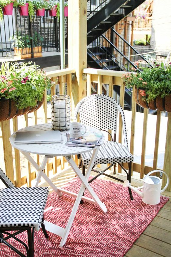 Malý balkón s veľkou atmosférou - inšpirácie - Obrázok č. 93