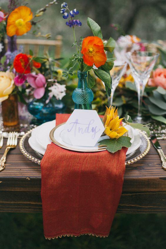 Keď to na svadbe hýri mnohými farbami - Obrázok č. 12