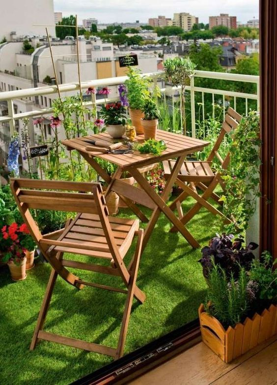 Malý balkón s veľkou atmosférou - inšpirácie - Obrázok č. 176
