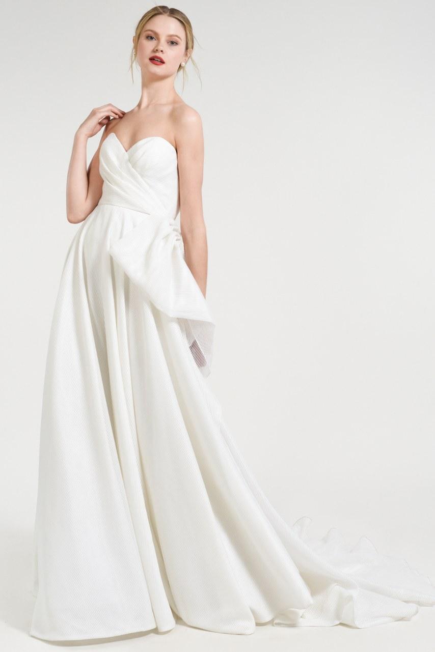Svadobné šaty z kolekcií na rok 2019 - Obrázok č. 9