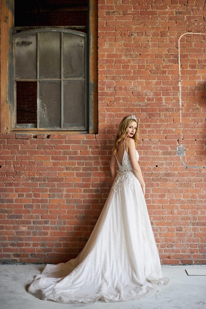Svadobné šaty z kolekcií na rok 2019 - Obrázok č. 26
