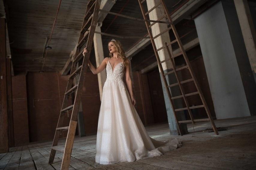 Svadobné šaty z kolekcií na rok 2019 - Obrázok č. 27