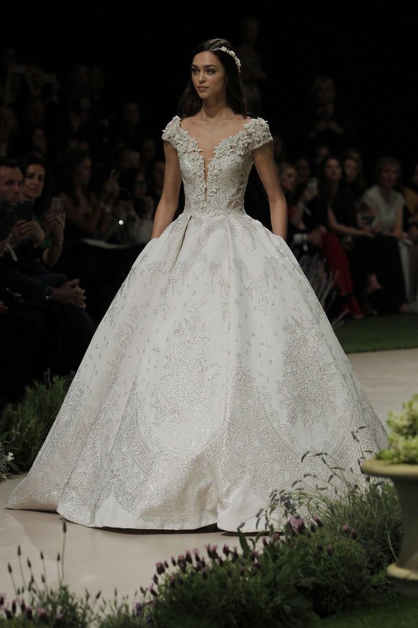 Svadobné šaty z kolekcií na rok 2019 - Obrázok č. 35