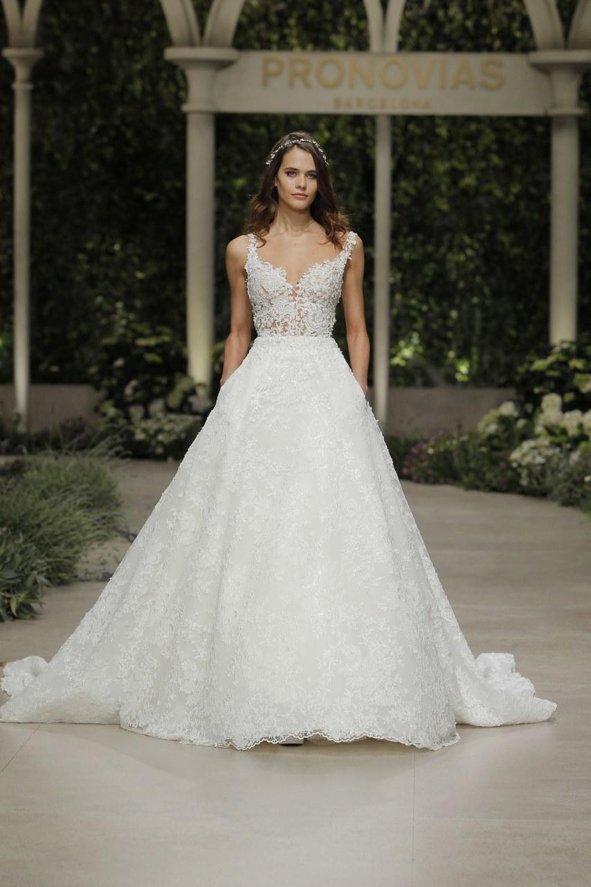 Svadobné šaty z kolekcií na rok 2019 - Obrázok č. 36