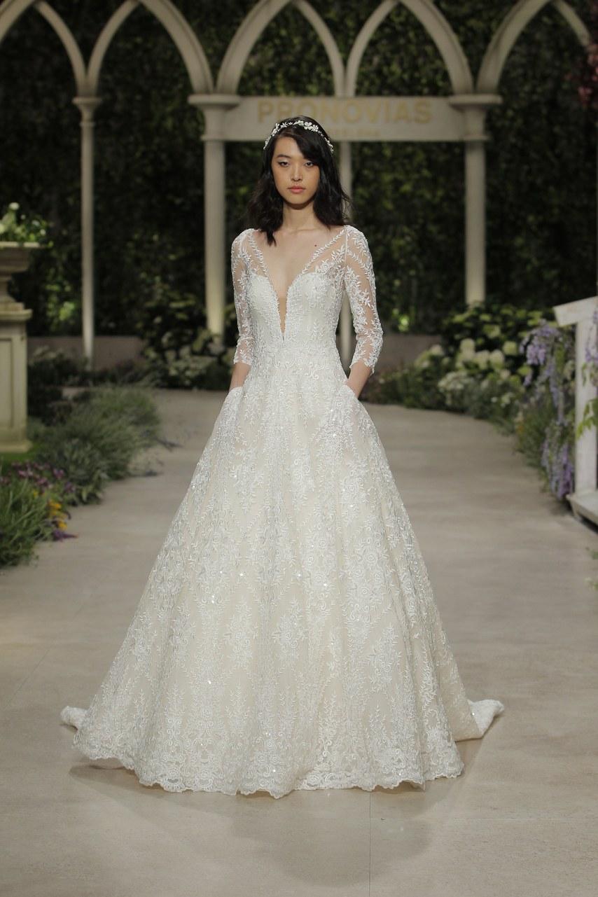 Svadobné šaty z kolekcií na rok 2019 - Obrázok č. 37