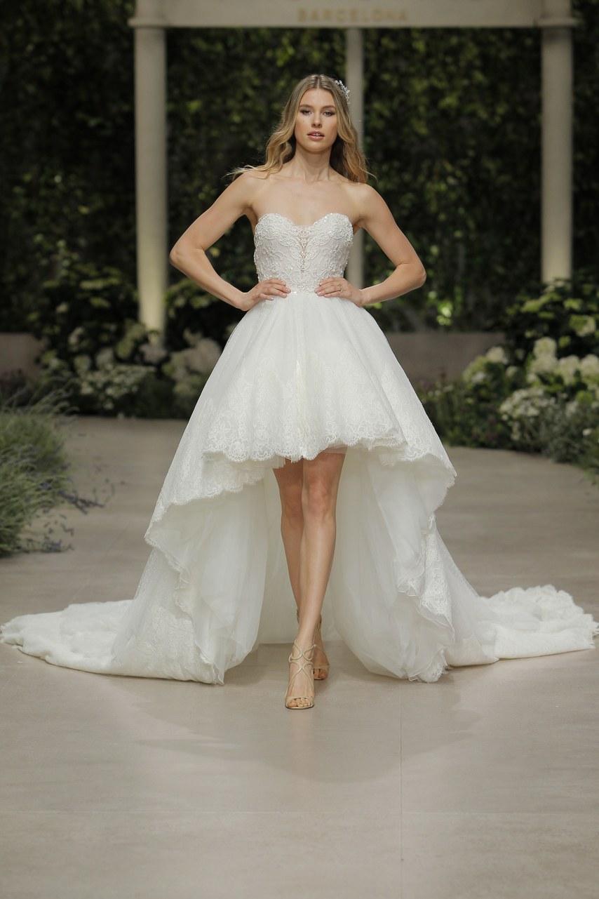 Svadobné šaty z kolekcií na rok 2019 - Obrázok č. 40
