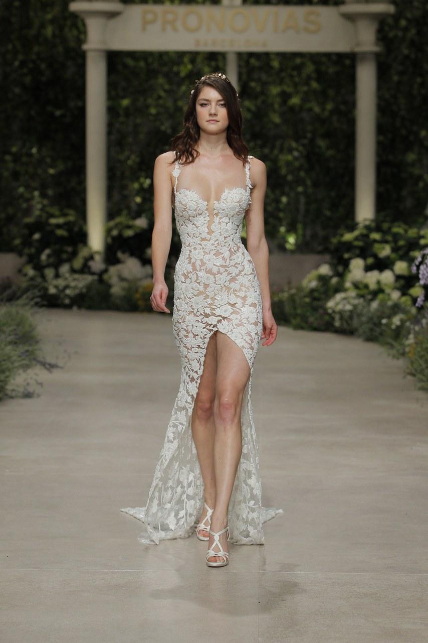 Svadobné šaty z kolekcií na rok 2019 - Obrázok č. 46