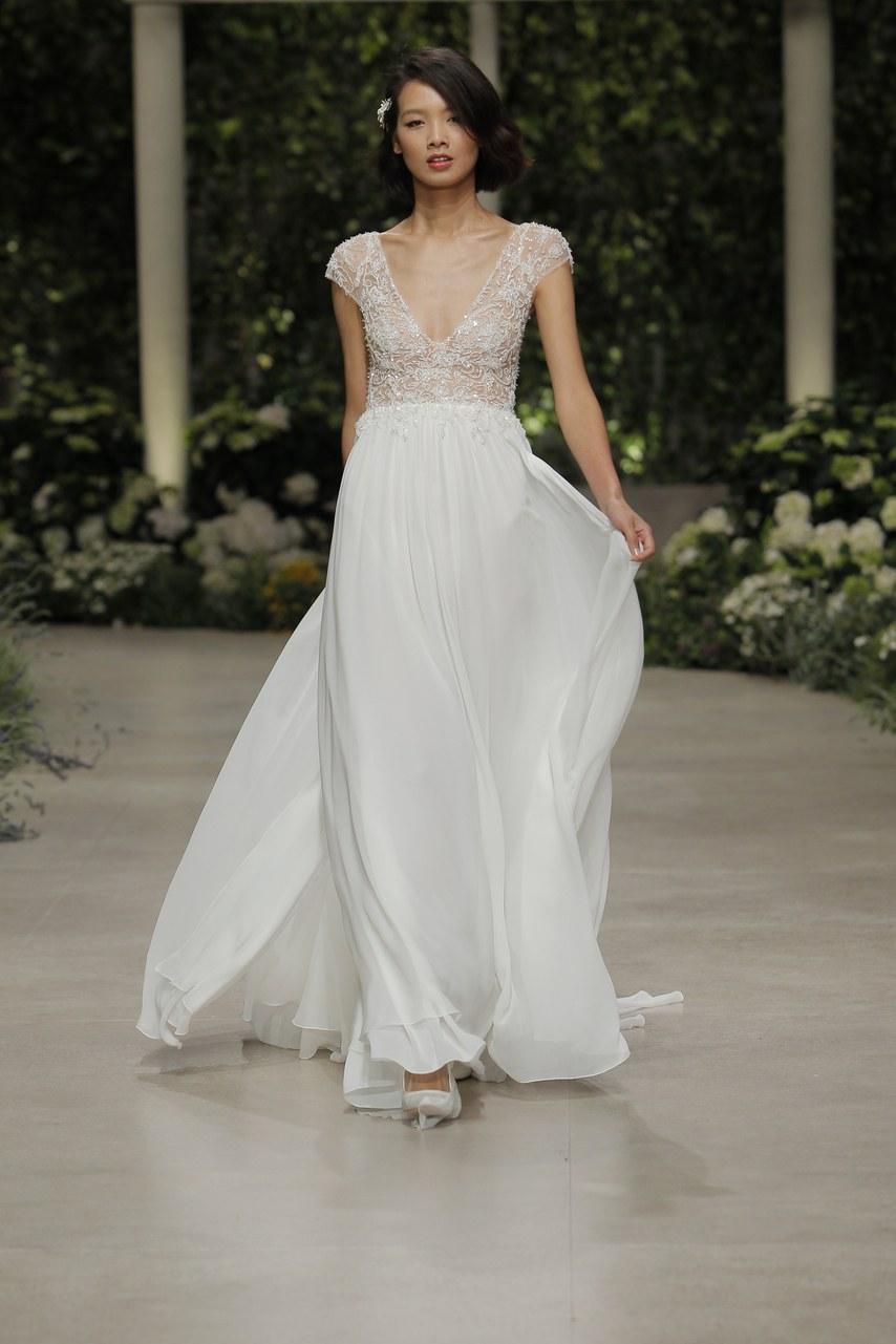 Svadobné šaty z kolekcií na rok 2019 - Obrázok č. 48