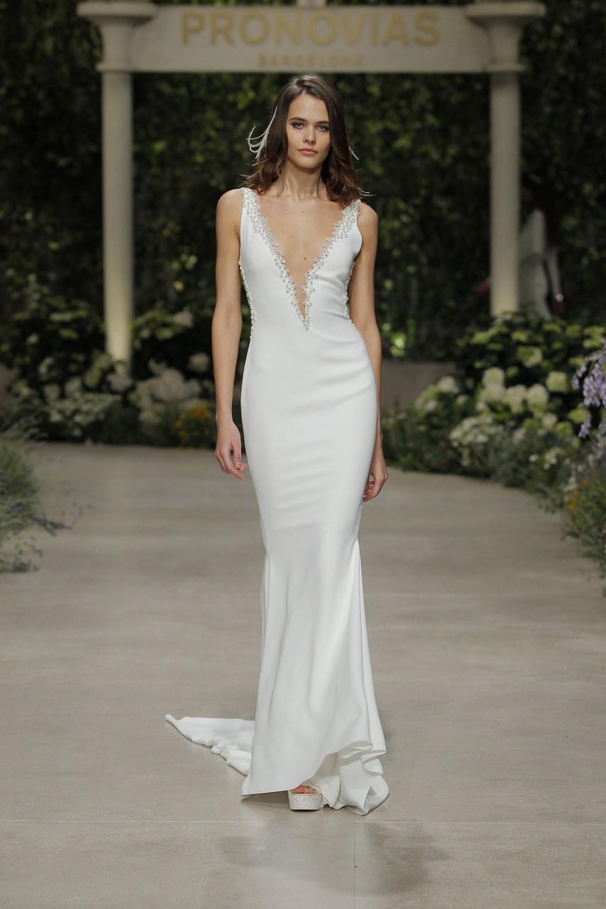 Svadobné šaty z kolekcií na rok 2019 - Obrázok č. 49