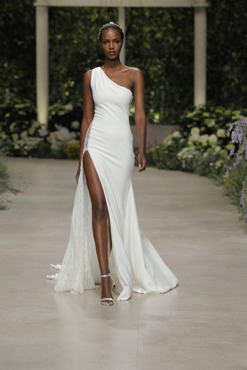 Svadobné šaty z kolekcií na rok 2019 - Obrázok č. 51