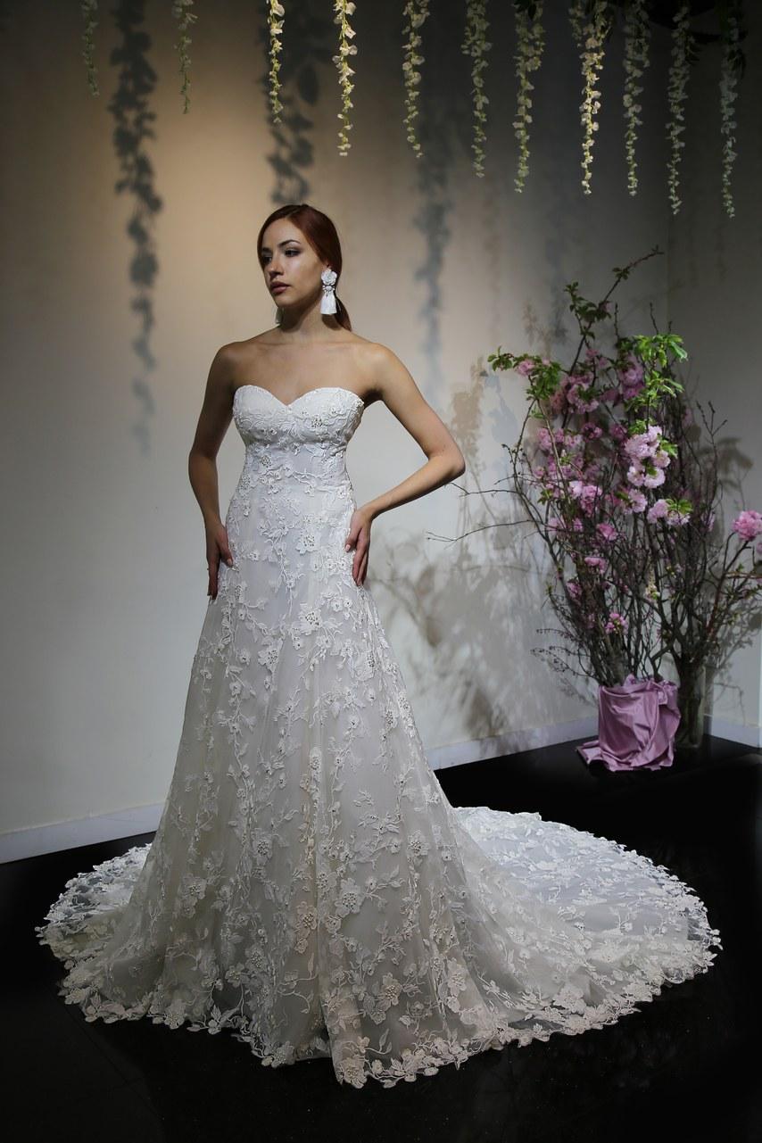 Svadobné šaty z kolekcií na rok 2019 - Obrázok č. 55