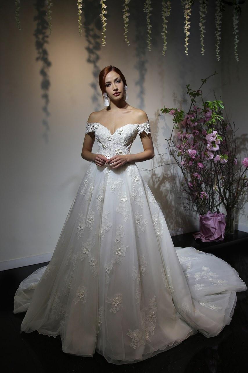 Svadobné šaty z kolekcií na rok 2019 - Obrázok č. 58