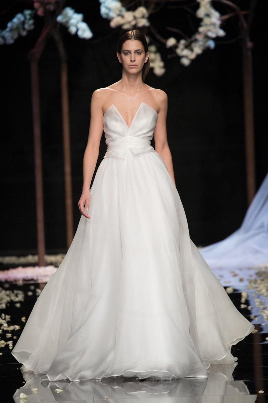 Svadobné šaty z kolekcií na rok 2019 - Obrázok č. 66
