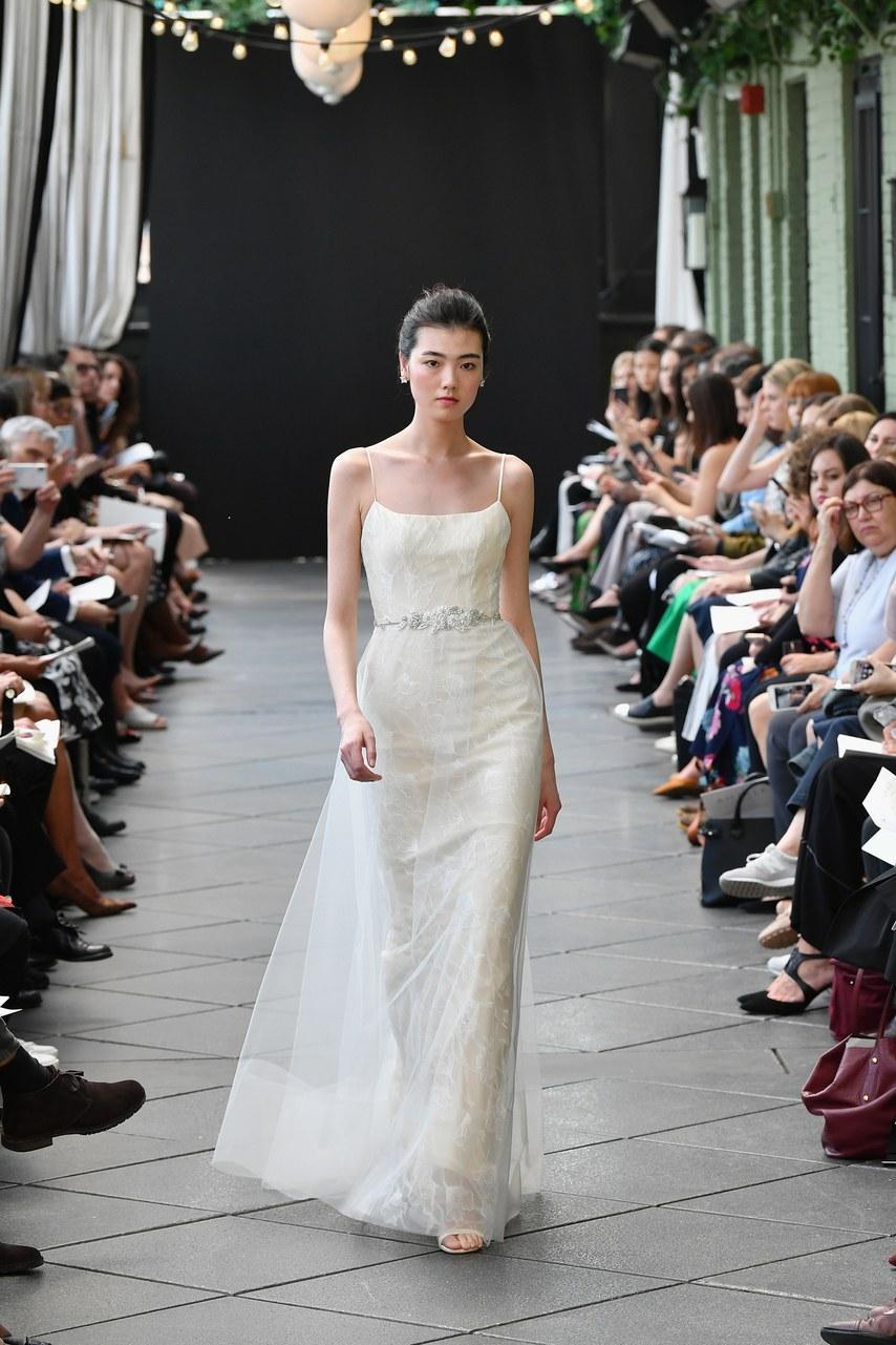Svadobné šaty z kolekcií na rok 2019 - Obrázok č. 69